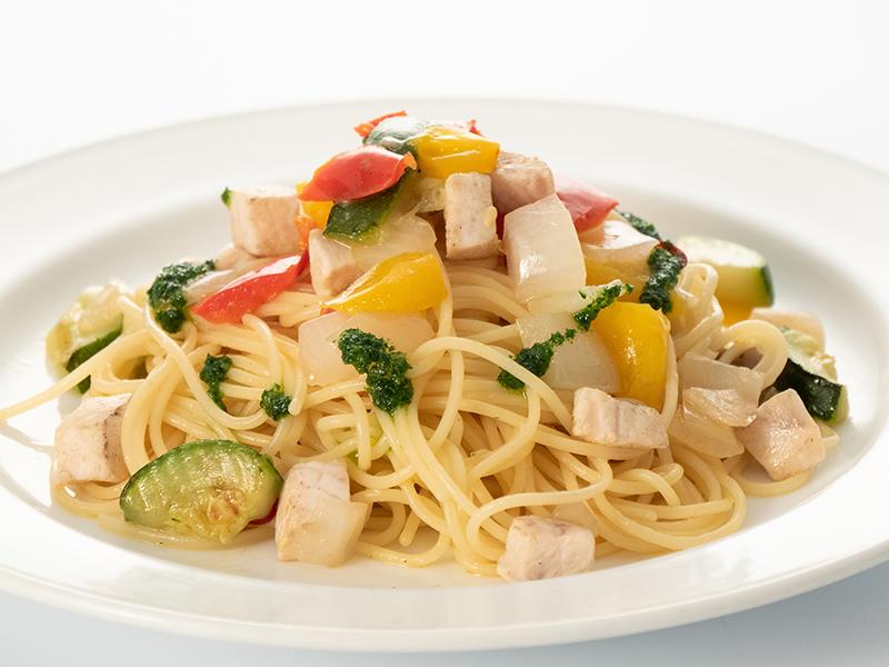 カジキマグロと彩り野菜のペペロンチーノ