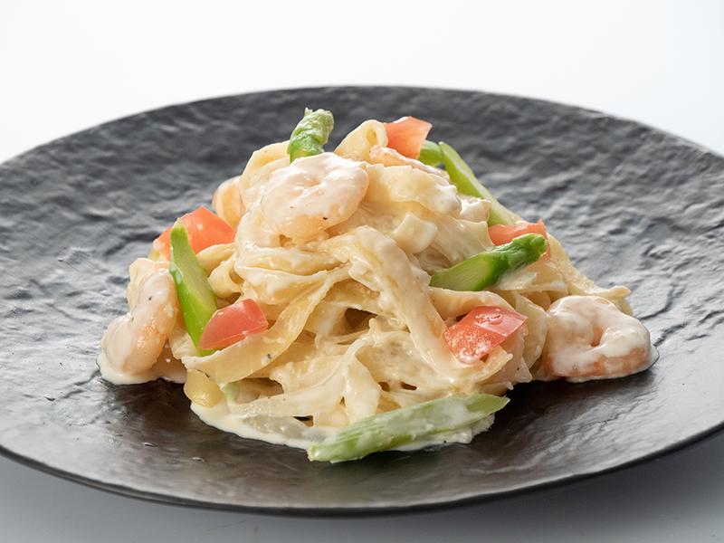 小海老とアスパラガスのクリーム(フィットチーネ麺)
