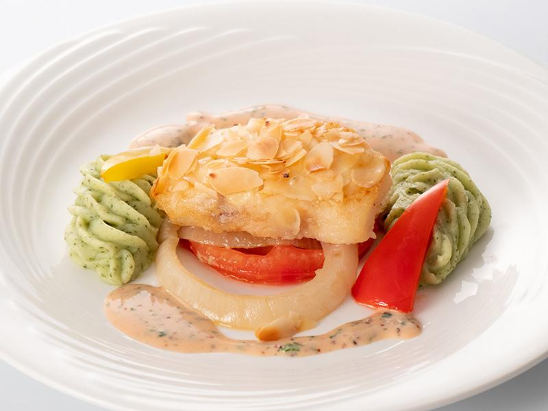 今月の魚料理 鱈のムニエル アーモンド風味