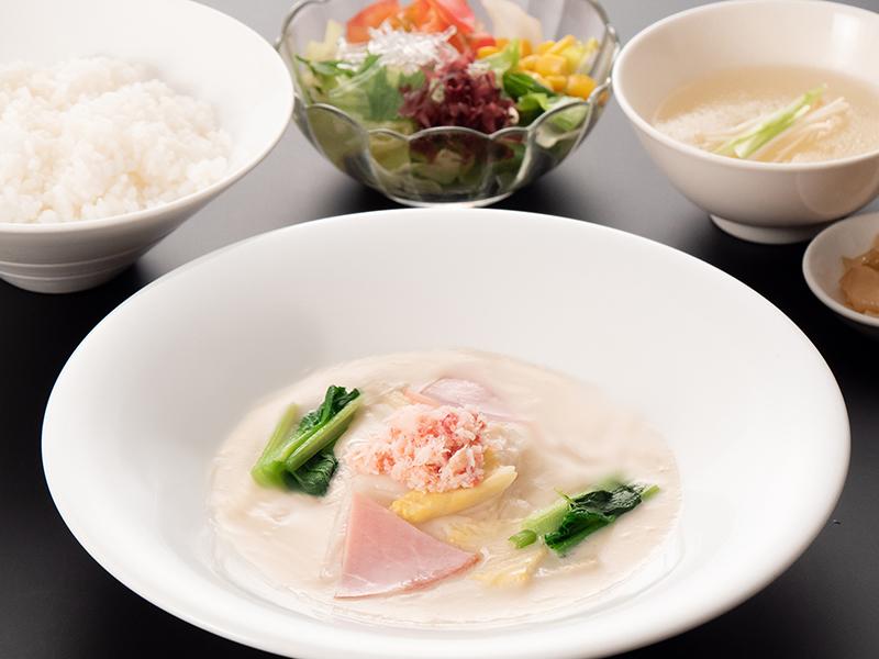 月替わりランチセット12月 蟹肉と白菜のクリーム煮込み